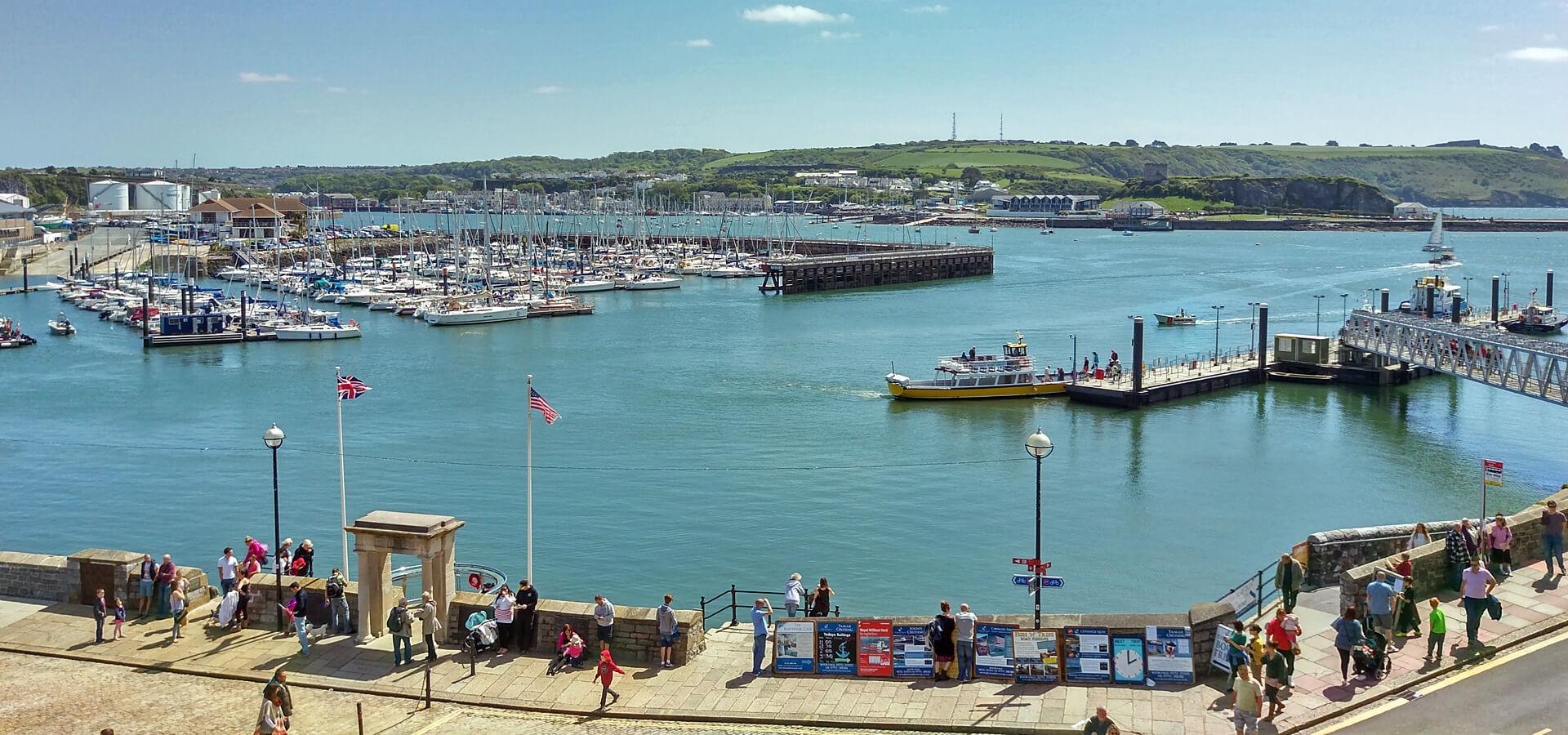 Plymouth-City-Breaks-Plymouth-Barbican-Mayflower-Steps-uk-2020.jpg